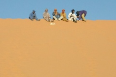<砂 漠>